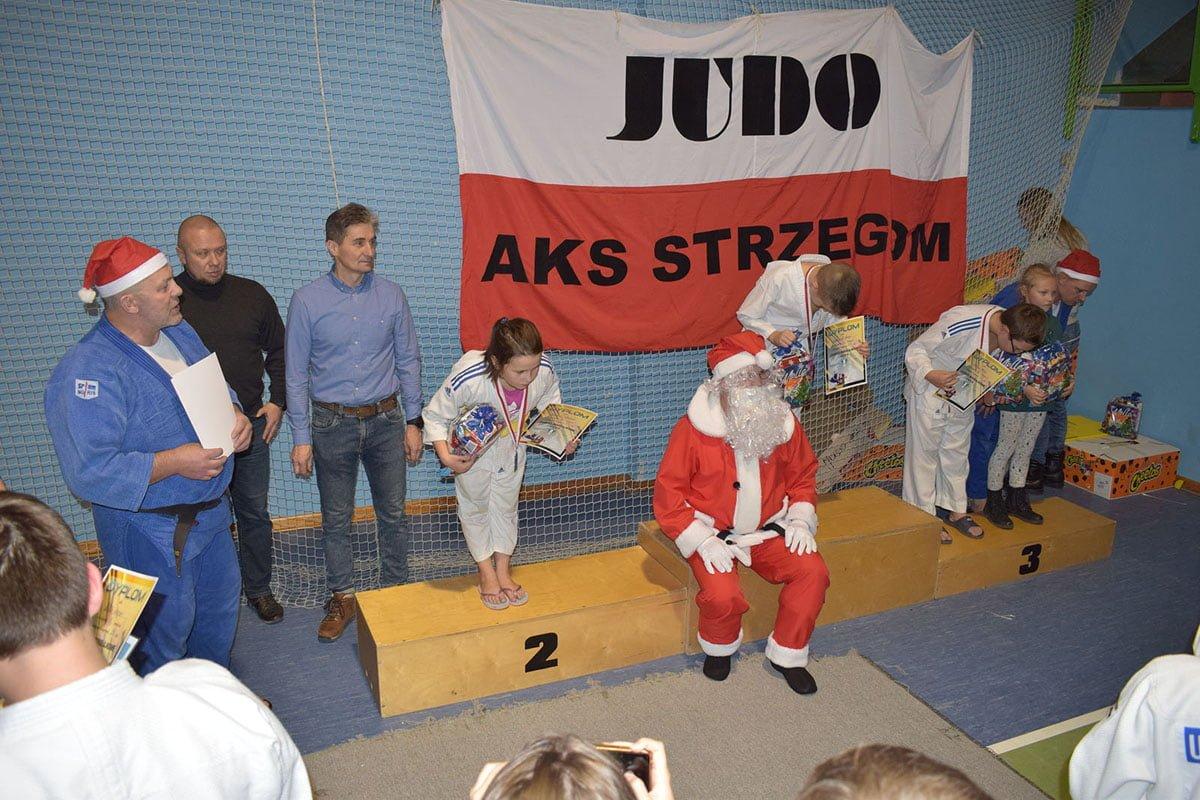 Zawody MIKOŁAJKOWE sekcji JUDO AKS Strzegom